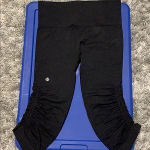 Black Lululemon Capri leggings